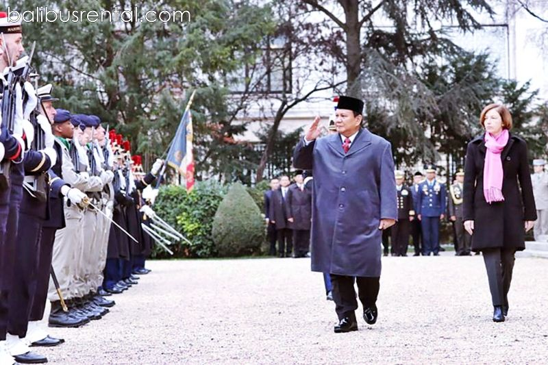 Prabowo Subianto and his French counterpart Florence Parly
